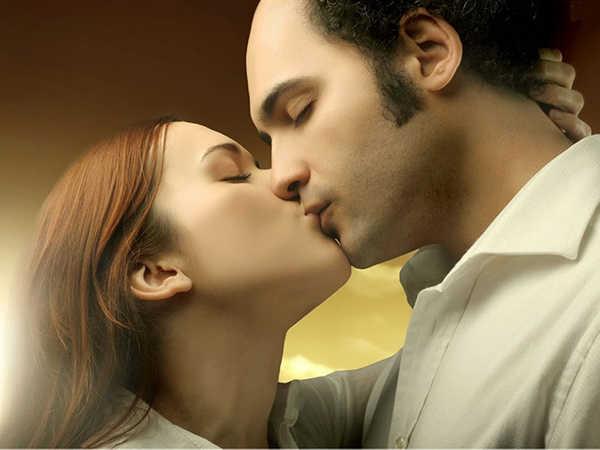 Giải mã giấc mơ thấy quan hệ và cặp số may mắn liên quan
