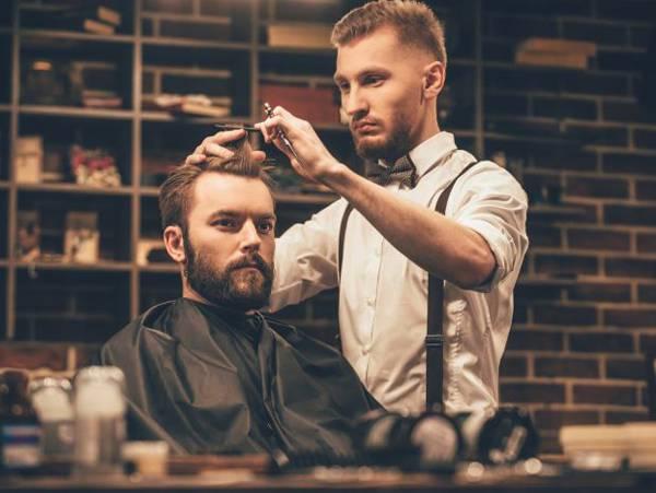 Mơ cắt tóc đánh con lô nào, là điềm báo tốt hay xấu?