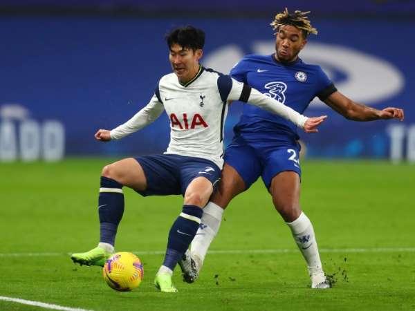Bóng đá quốc tế sáng 30/11: Cầm hòa Chelsea, Tottenham trở lại ngôi đầu