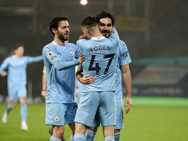 Bóng đá quốc tế sáng 27/1: Đại thắng, Man City tạm thời dẫn đầu Premier League