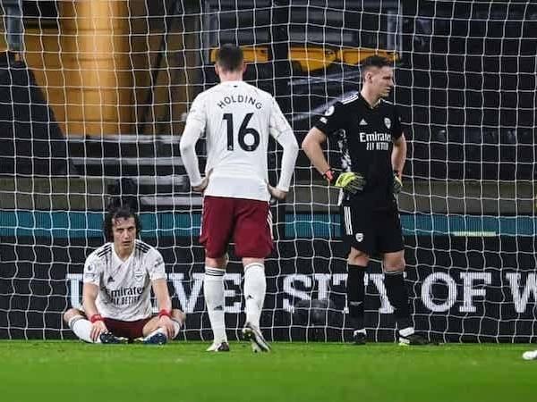 Bóng đá quốc tế sáng 3/2: Arsenal nhận tới 2 thẻ đỏ trong 1 trận đấu