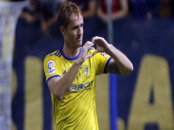Tiểu sử cầu thủ Alex Fernández và sự nghiệp bóng đá chuyên nghiệp