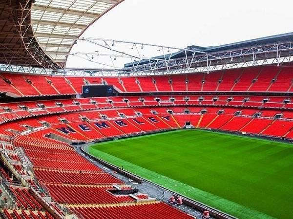 Kích thước sân bóng đá Ngoại Hạng Anh chuẩn FIFA 2021