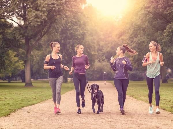 Tác dụng của đi bộ buổi chiều với sức khỏe bạn cần biết